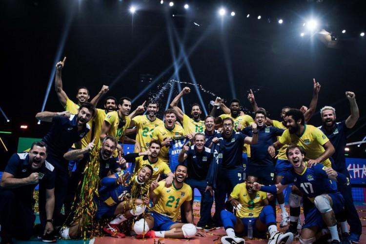 Brasil bate Polônia e conquista Liga das Nações de vôlei (Foto: )