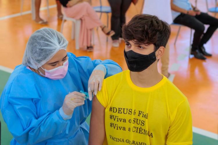 Vacinação em Guaramiranga, primeira cidade do Ceará a vacinar 100% da população adulta (Foto: Wanderson Trindade)