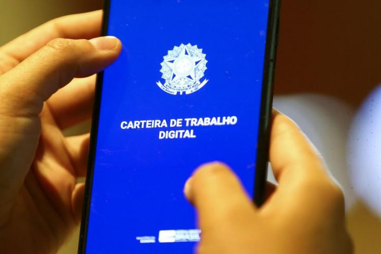 Carteira de trabalho digital (Foto: Marcelo Camargo/Agência Brasil)