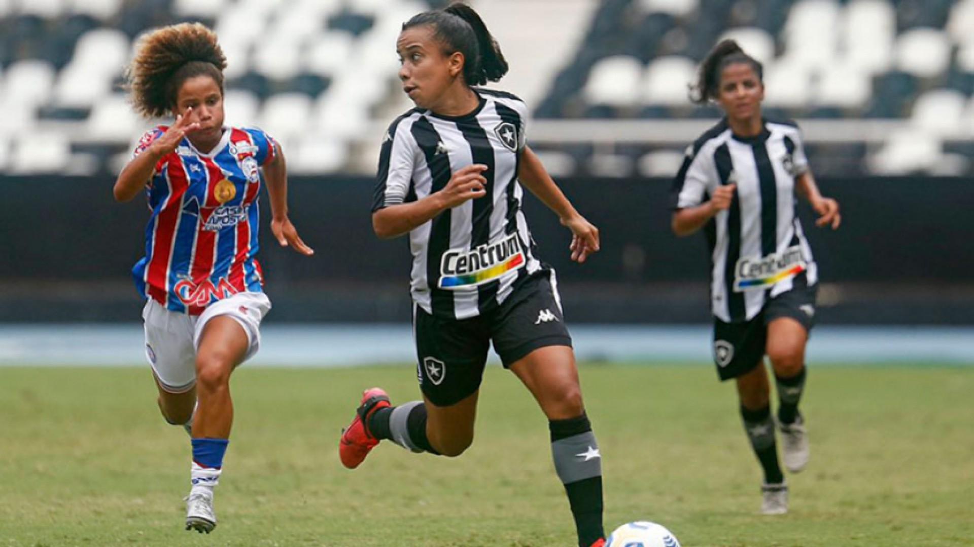 Botafogo e Bahia foram rebaixados uma temporada após o acesso à elite do futebol feminino.  (Foto: Vitor Silva / Botafogo)