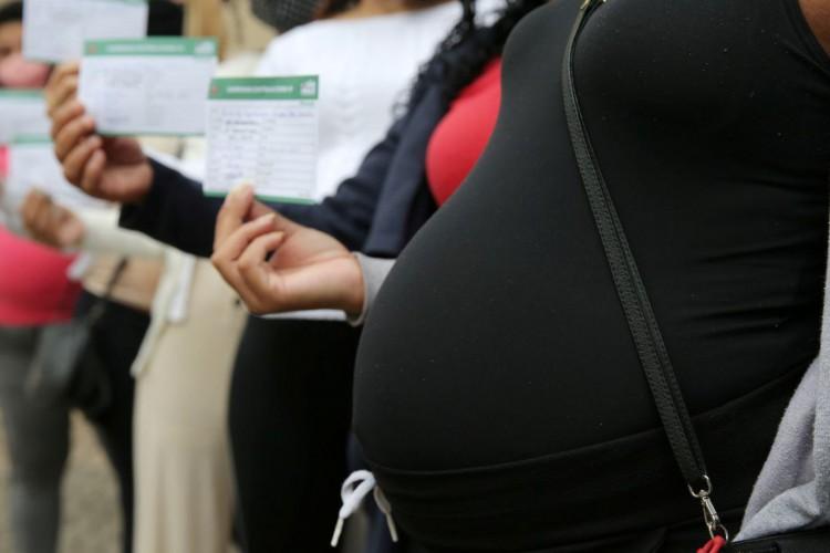 A aplicação da vacina Astrazeneca nesse grupo está suspensa desde maio (Foto: Agência Brasil)