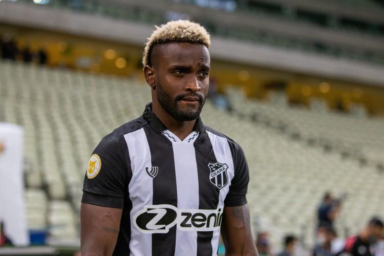 Mendoza foi apenado com dez partidas de suspensão e já cumpriu cinco (Foto: Felipe Santos/Ceará SC)