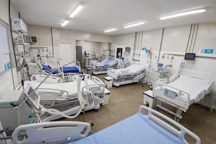 Leitos para pacientes com Covid-19 vazios nesta quarta-feira, 30, no Hospital Municipal Dr. Argeu Gurgel Braga Hebster, em Maranguape   (Foto: Divulgação/Prefeitura de Maranguape)