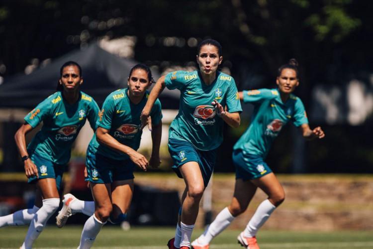 Pilar defensivo da seleção feminina, Erika vê setor forte para Tóquio (Foto: )