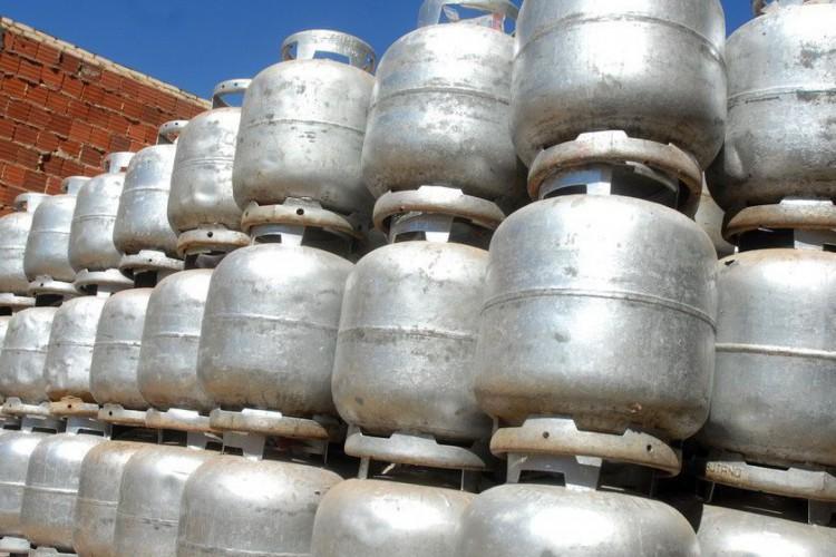 O gás de cozinha no Ceará completou 15 dias de alta consecutiva e encerrou a semana do último dia 26 de junho com preço médio de R$ 93,37 (Foto: Marcello Casal/Agência Brasil)