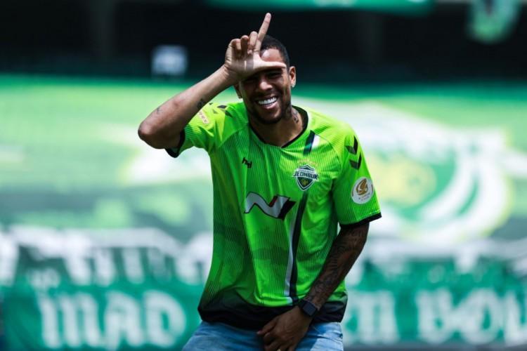 Gustavo tem 21 gols marcados com a camisa do Jeonbuk  (Foto: Divulgação )