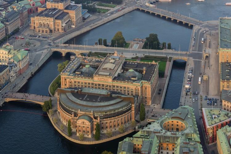Sede do parlamento sueco, o Sveriges riksdag, na capital do país, Estocolmo (Foto: Arild Vågen/Wikimedia Commons)