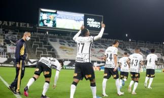 Corinthians enfrenta hoje o Internacional pelo Brasileirão; veja onde assistir ao vivo à transmissão, prováveis escalações e qual horário do jogo