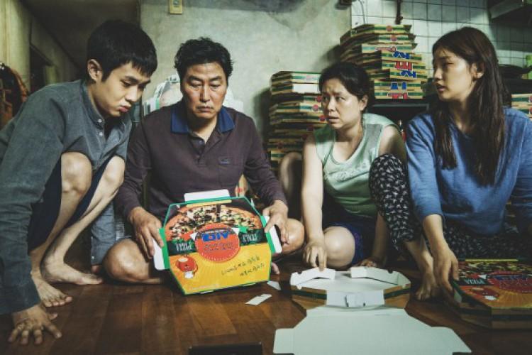 Parasita é um filme sul-coreano de drama (Foto: Reprodução / Rede Globo)