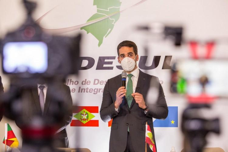 Saiba quem é Eduardo Leite, governador que assumiu homossexualidade (Foto: Reprodução/Facebook)