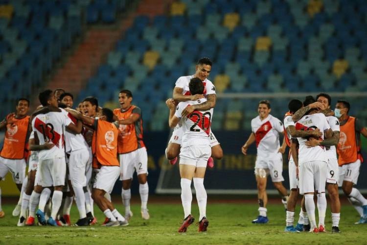 Copa América: Peru derrota Paraguai nos pênaltis e está na semifinal (Foto: )