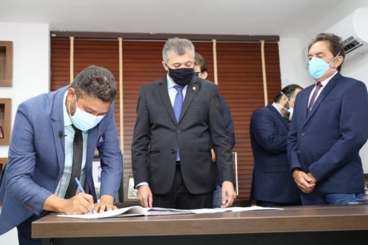 John Monteiro assume mandato por quatro meses. (Foto: Câmara Municipal de Fortaleza)