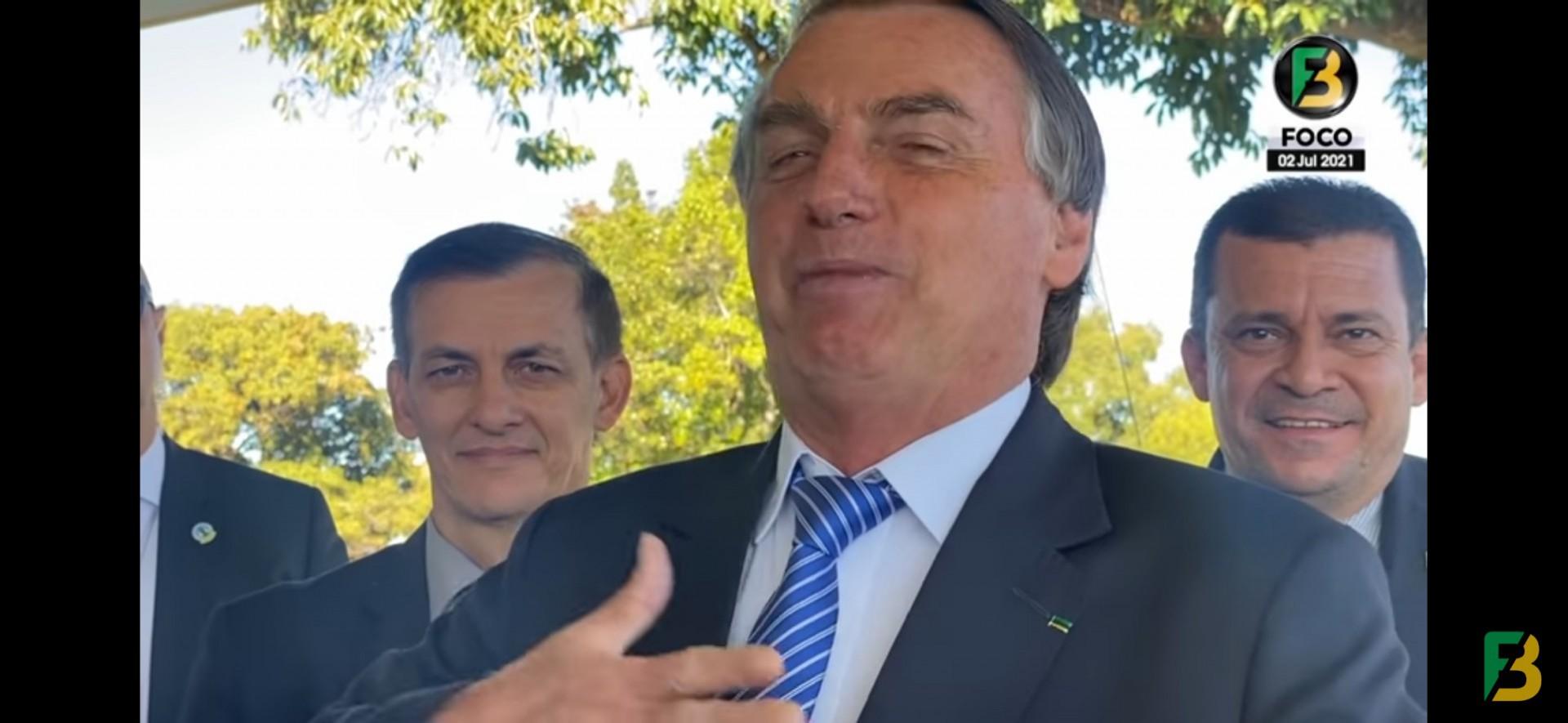 Bolsonaro ironiza decisão do governador Eduardo Leite de se assumir homossexual (Foto: REPRODUÇÃO/YOUTUBE)
