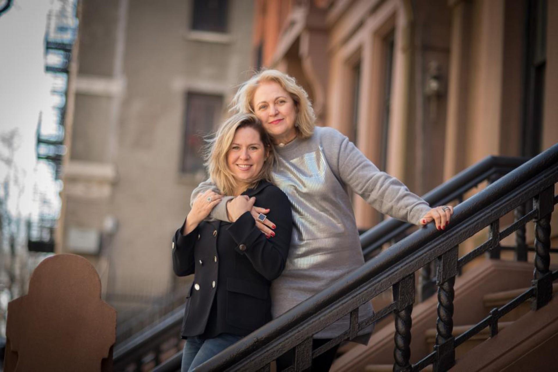 Marize Castelo Branco e a filha  Nanette empenhadas no Projeto Ninho