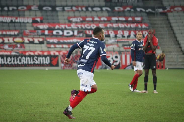 Igor Torres falou sobre o início ruim do Fortaleza contra o Athletico-PR (Foto: Leonardo Moreira/Fortaleza EC)