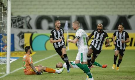 No primeiro turno, Ceará derrotou o Juventude por 2 a 0, no Castelão