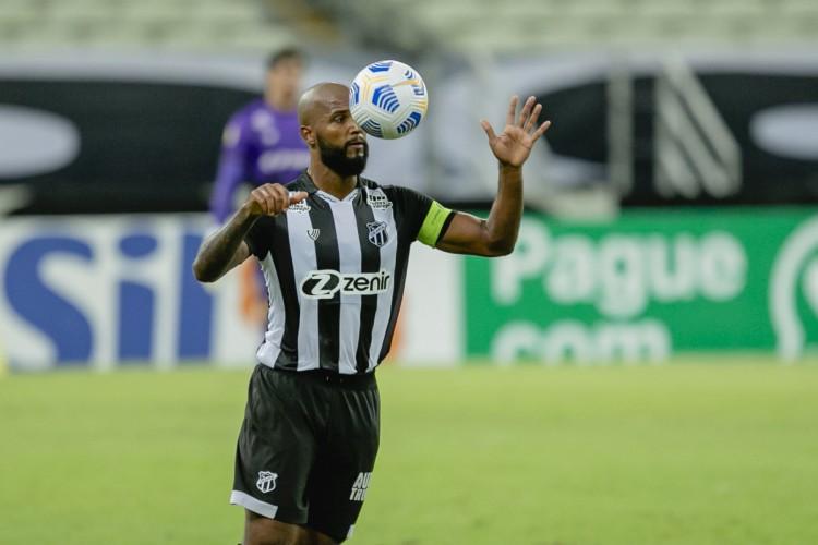 Zagueiro e capitão do Ceará, Messias falou sobre a melhora de desempenho da defesa alvinegra (Foto: Aurelio Alves)