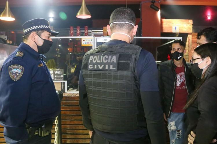 Fiscalização da Vigilância Sanitária em Eventos Irregulares (Foto: Governo do Estado de São Paulo)