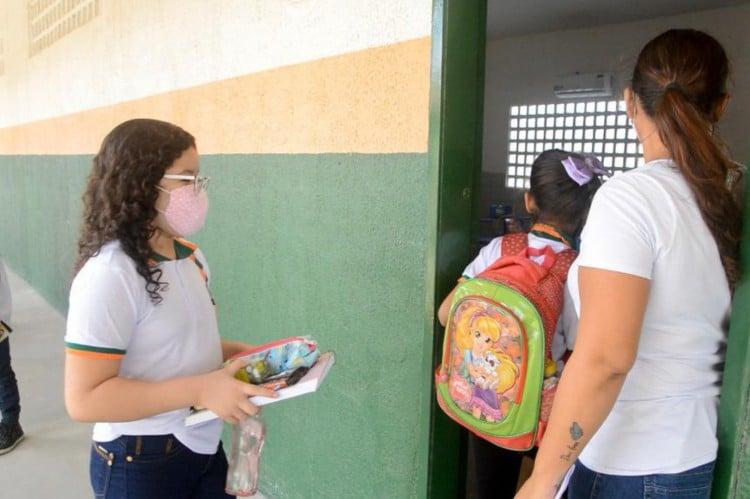 São recebidos alunos da 1ª à 5ª série do Ensino Fundamental