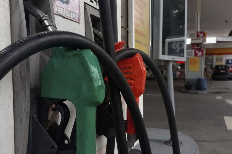 Petrobras reajusta em 12% o preço da gasolina nas refinarias a partir desta quinta-feira (Foto: Fernando Frazão/Agência Brasil)