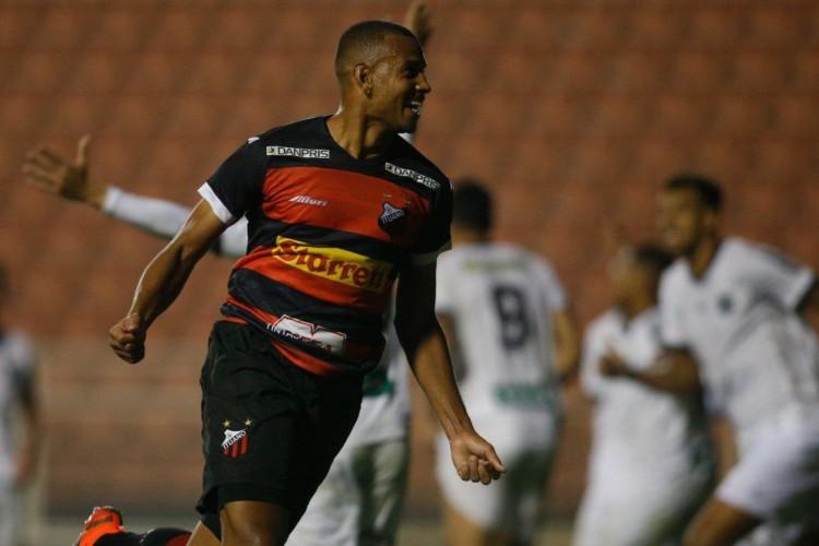 Série C: Ituano derrota Figueirense com gol no final (Foto: )
