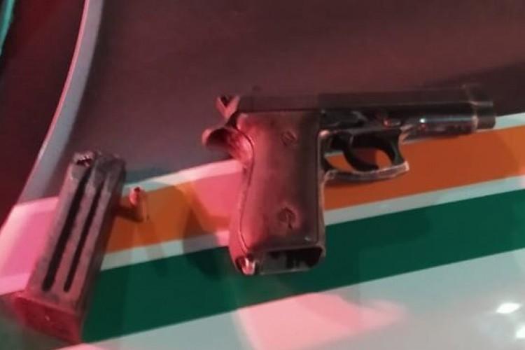 Arma apreendida pelos policiais  (Foto: PMCE/Reprodução)
