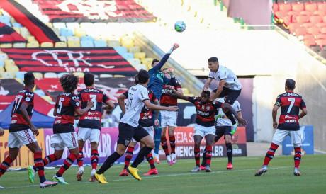 Atlético-MG e Flamengo se enfrentam hoje pelo Brasileirão Série A; veja onde assistir ao vivo à transmissão, prováveis escalações e qual horário do jogo