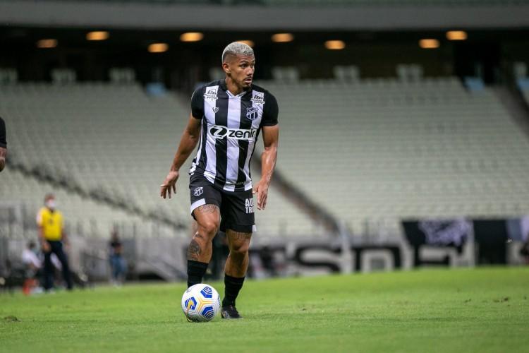 Volante Fernando Sobral afirmou que o Ceará deve se impor e busca o gol a todo instante contra o Athletico-PR (Foto: Felipe Santos/CearaSC)