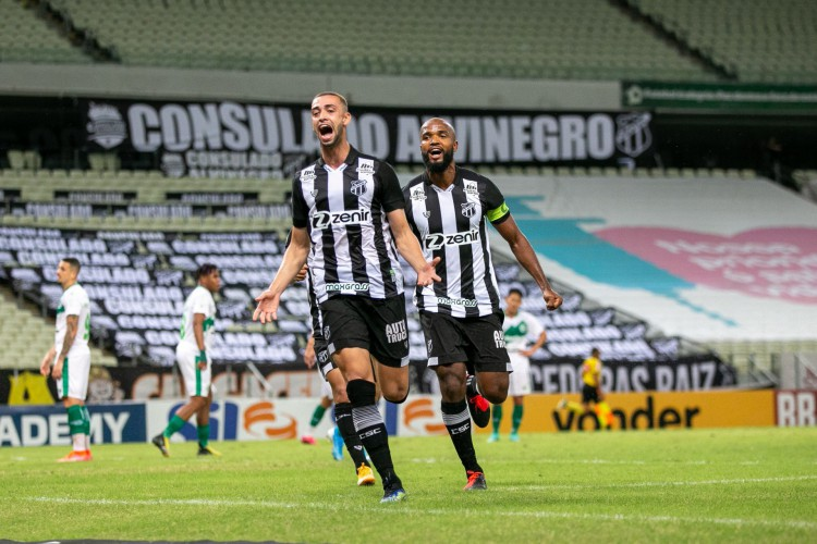 Gabriel Lacerda e Messias já formaram a dupla de zaga do Ceará nove vezes na Série A (Foto: Felipe Santos/CearaSC)