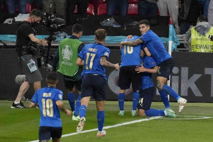 A Itália derrotou a Espanha nos pênaltis e está na semifinal da Euro 2020 (Foto: Matt Dunham/AFP)