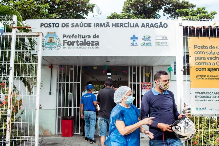 Fortaleza realiza vacinação contra a gripe H1N1. (Foto: Fernanda Barros)