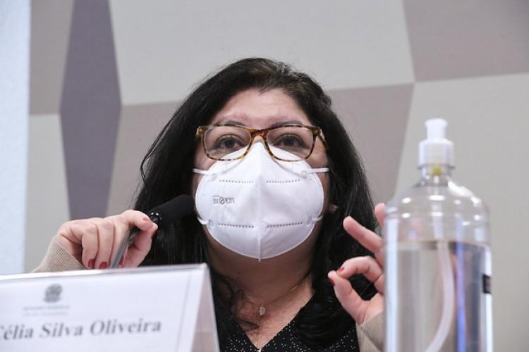 Regina Célia é a fiscal responsável pelo contrato com o laboratório indiano fabricante das doses da Covaxin (Foto: Edilson Rodrigues/Agência Senado)