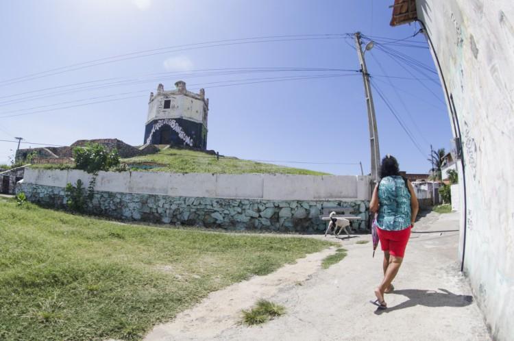 Comunidade se mobiliza para pedir a restauração do Farol do Mucuripe(Foto: Thais Mesquita)