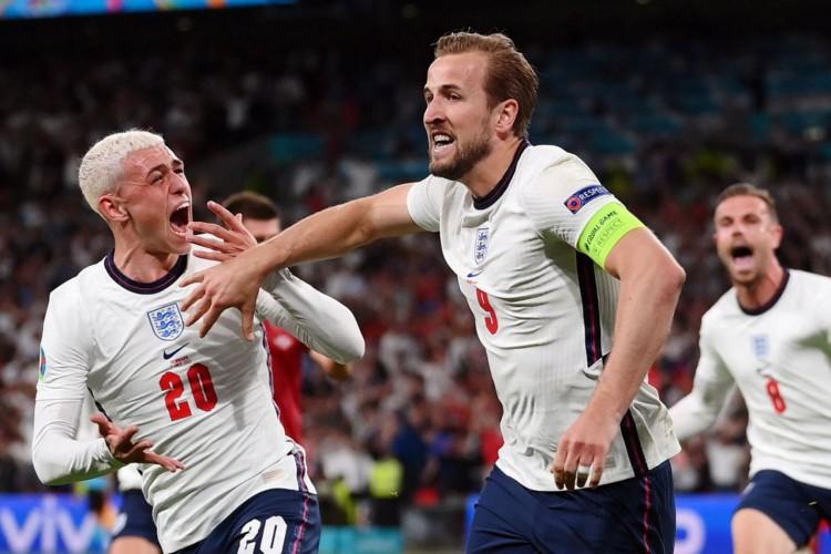 Inglaterra vence Dinamarca e faz final da Eurocopa com Itália (Foto: )