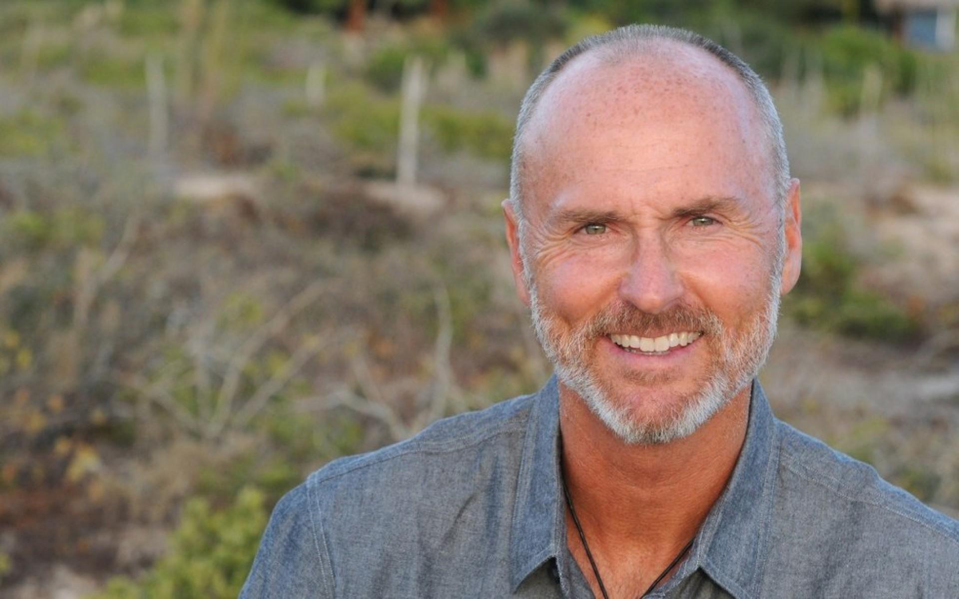"""Fundador da """"Modern Elder Academy"""", Chip Conley é o palestrante internacional convidado para o Maturifest 2021  (Foto: DIVULGAÇÃO)"""