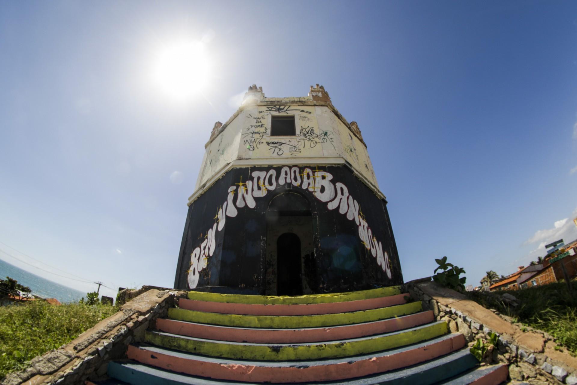 Farol do Mucuripe foi inaugurado em 1846(Foto: Thais Mesquita)