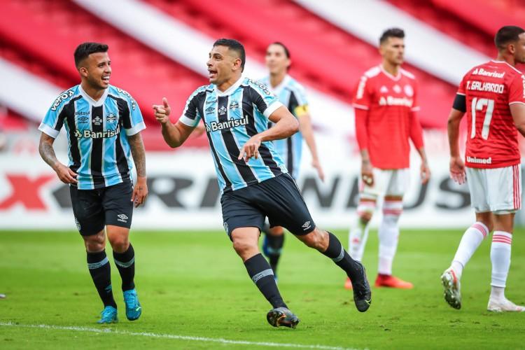 Grêmio e Internacional se enfrentam em jogo do Campeonato Brasileiro 2021; veja onde assistir ao vivo à transmissão, provável escalação, horário e arbitragem (Foto: Lucas Uebel/Gremio FBPA)