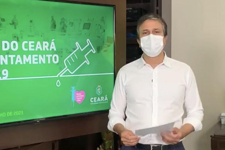 Governador do Ceará, Camilo Santana, detalha novo horário de funcionamento dos setores econômicos no Estado com novo decreto de isolamento social válido a partir de segunda, 26 (Foto: Reprodução/Instagram)