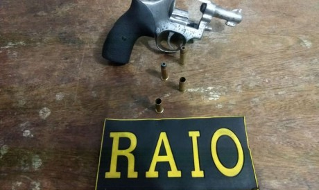Arma apreendida com um dos homens presos por latrocínio em Sobral