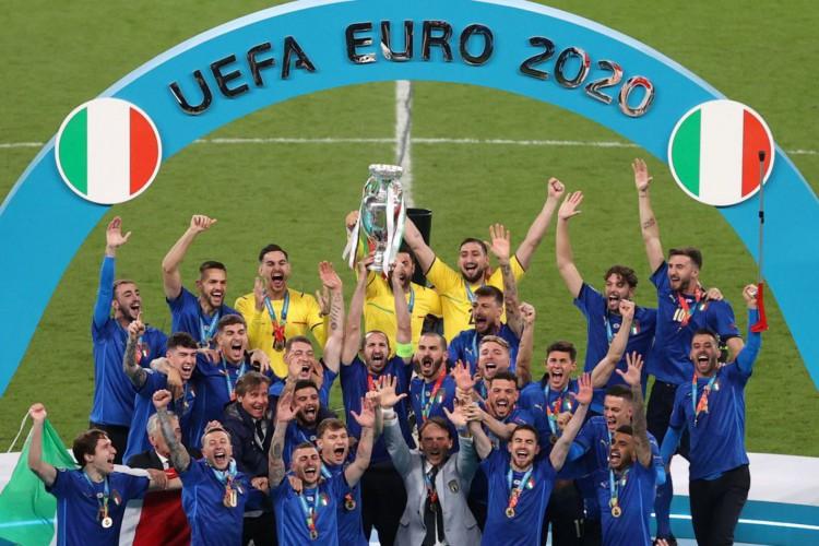 Itália derruba Inglaterra em casa e conquista a Eurocopa (Foto: )