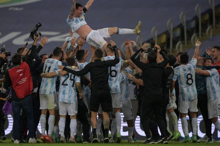Argentina vence Brasil na Copa América e quebra jejum de títulos (Foto: )