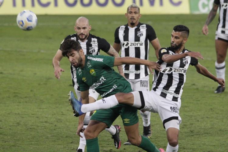 O Ceará empatou com o Cuiabá por 2 a 2 na Arena Pantanal pela 11ª rodada do Brasileirão (Foto: Chico Ferreira/AE)