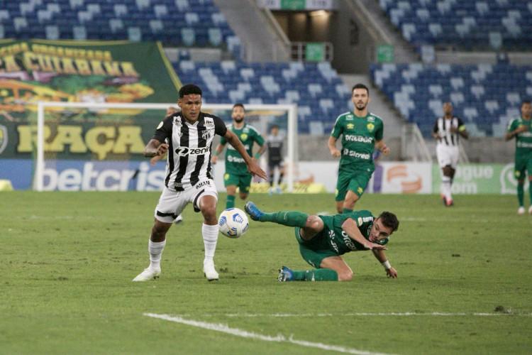 Ceará erra 61% dos arremates que tenta no Campeonato Brasileiro (Foto: Israel Simonton/CearaSC)