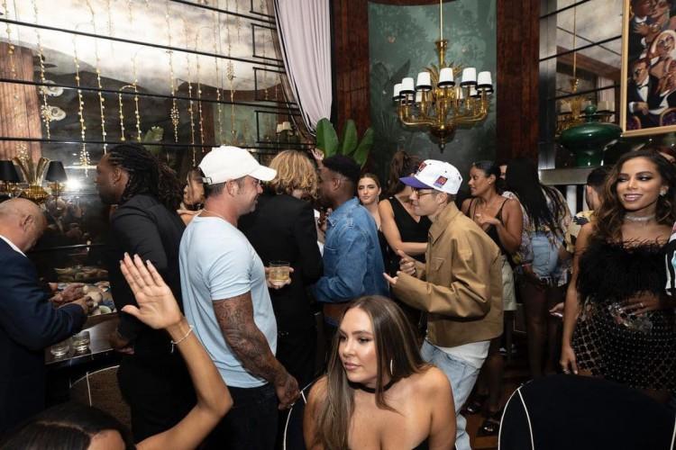 A publicação no Instagram de Bieber tem mais de 1,2 milhão de curtidas (Foto: Reprodução)