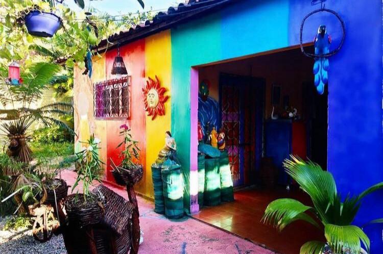 O espaço se mantém através de doações e fica localizado no bairro Siqueira