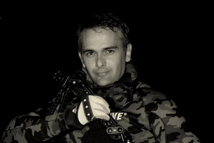 Ruver Bandeira, 50, é professor de geografia em Fortaleza, além de fotógrafo subaquático premiado internacionalmente. (Foto: Ruver Bandeira)