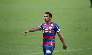 Fortaleza vence mais um paulista, Ceará tem jogo sem chutes a gol
