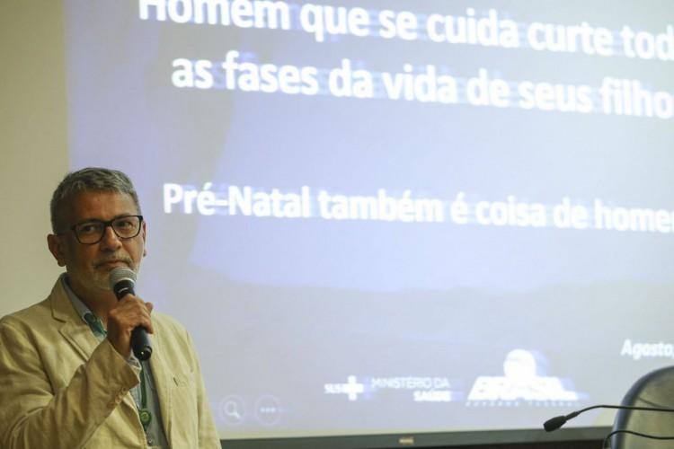 Brasília - O  Coordenador Geral de Saúde do Homem do Ministério da Saúde, Francisco Norberto, apresenta o  resultado de pesquisa sobre a frequência dos homens nos serviços de saúde  (Elza Fiuza/Agência Brasil) (Foto: Elza Fiúza/Agência Brasil)