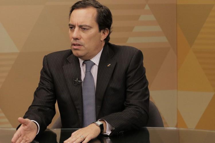 Presidente da Caixa Econômico Federal, Pedro Guimarães, anuncia antecipação da quarta parcela do auxílio emergencial 2021 (Foto: Marcello Casal JrAgência Brasil)