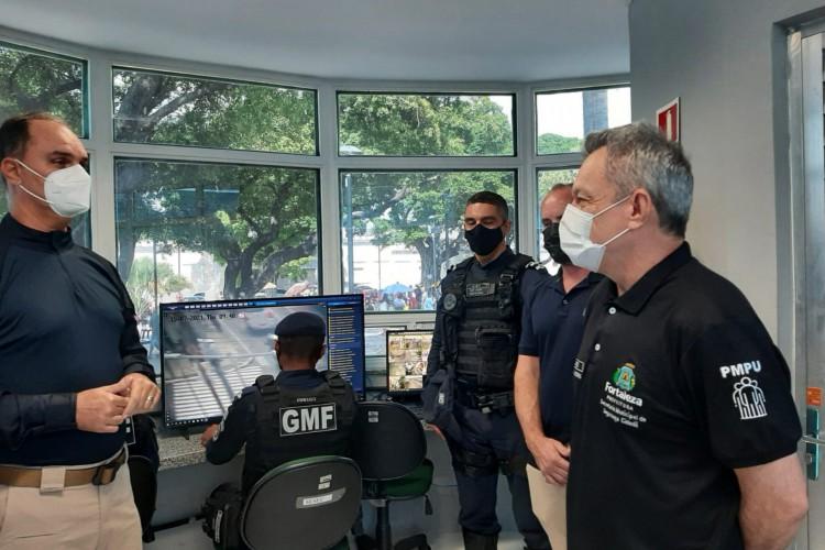 Prefeito de Fortaleza José Sarto durante inauguração da Célula de Proteção Comunitária na Praça da Lagoinha (Foto: Foto: Guarda Municipal)